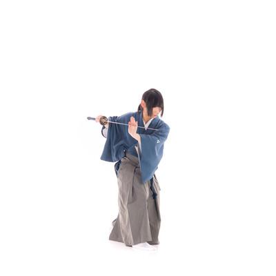 刀に手を添える(天心流兵法代範)の写真
