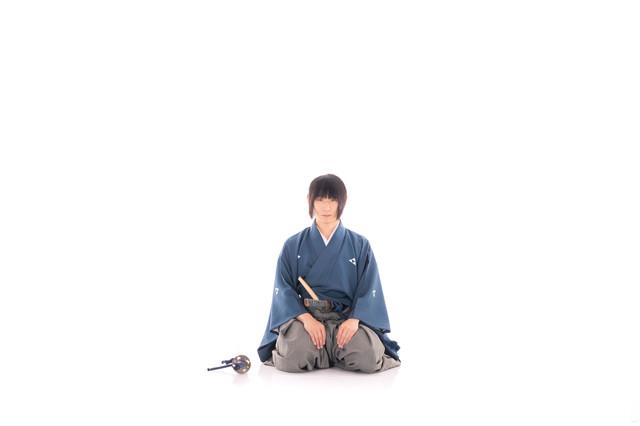 正座する侍の写真