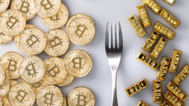 ハードフォークで分岐したビットコインとビットコインゴールドの写真