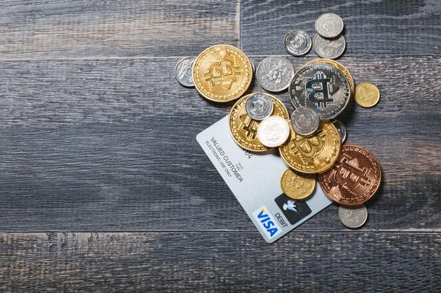 仮想通貨の支払い(クレカと通貨)の写真