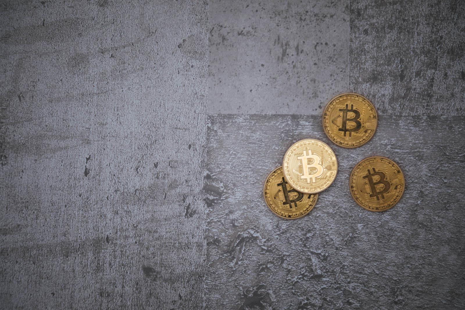 冷たいコンクリートと仮想通貨のフリー素材