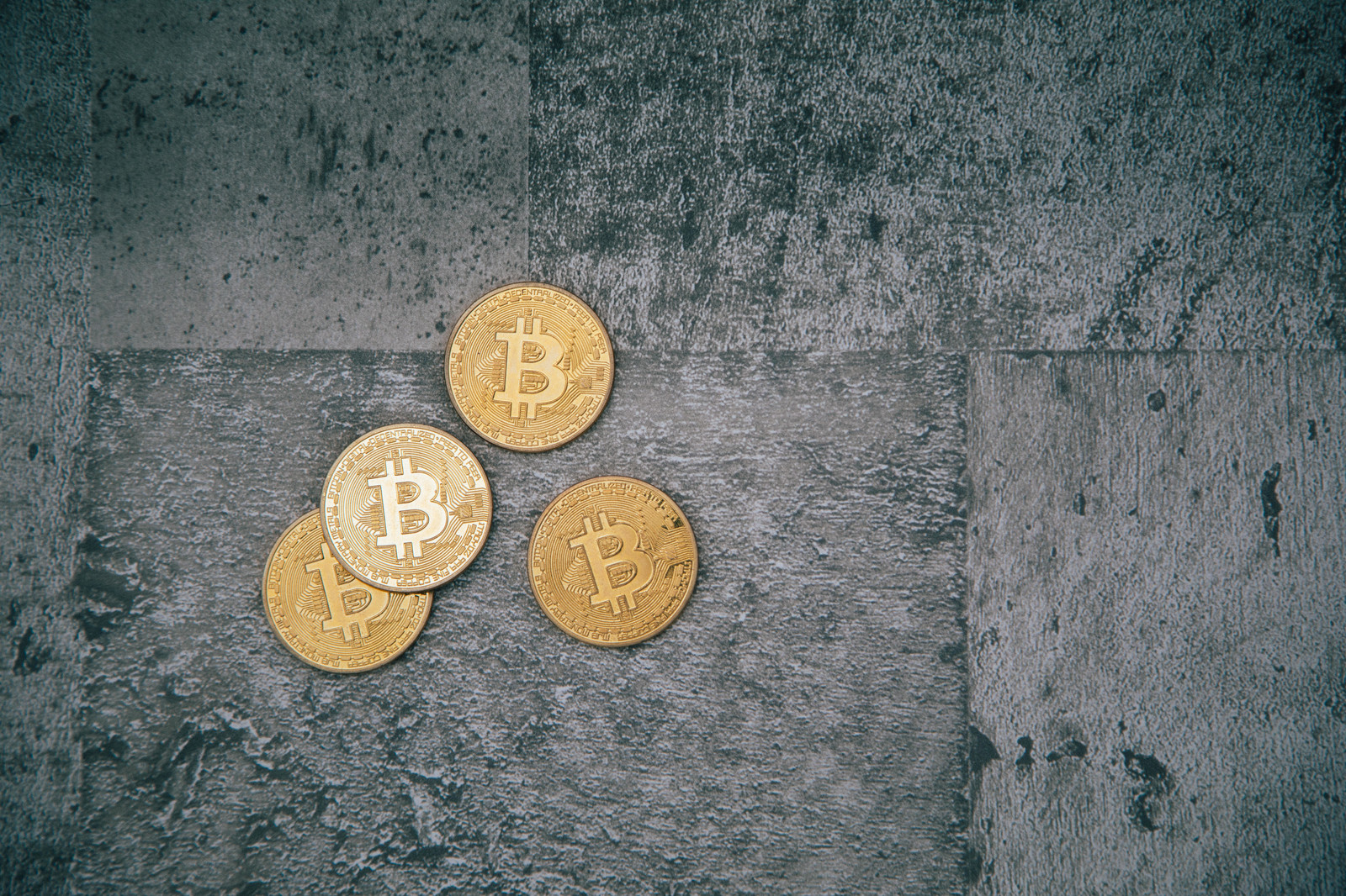 「仮想通貨への不安視」の写真