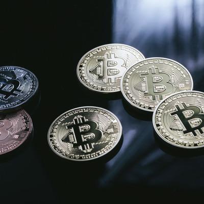 「資金洗浄やロンダリングが問題視されている仮想通貨」の写真素材