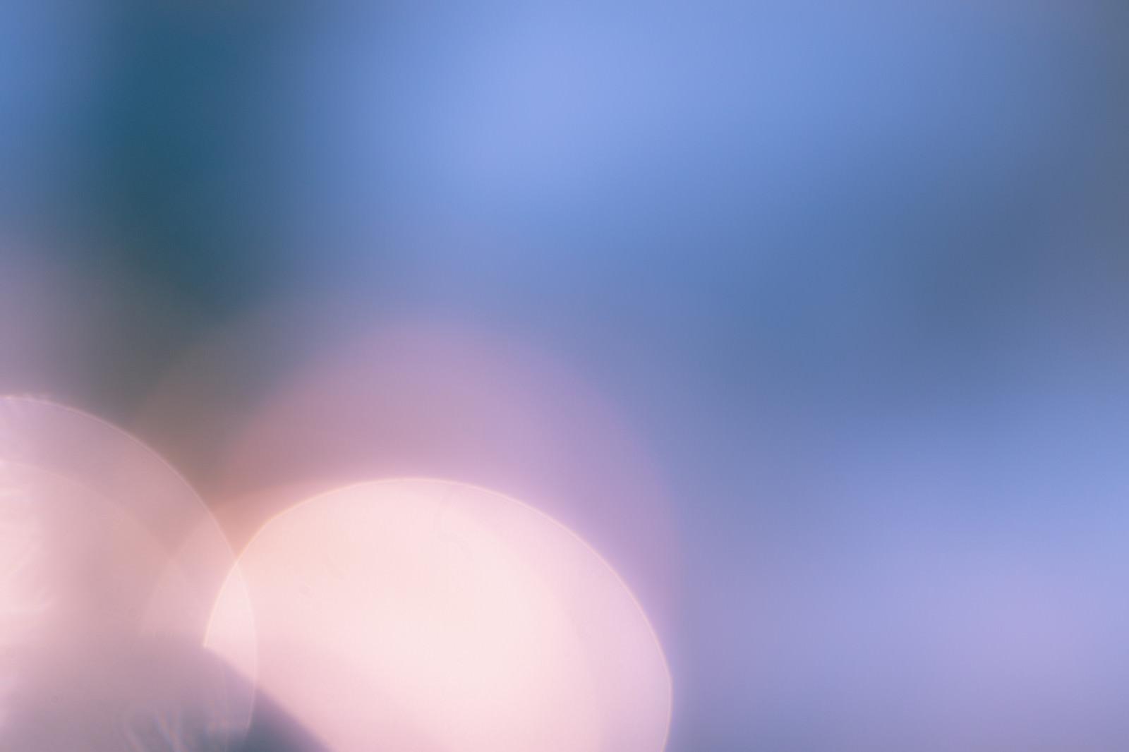 「重なる丸ボケの光」の写真