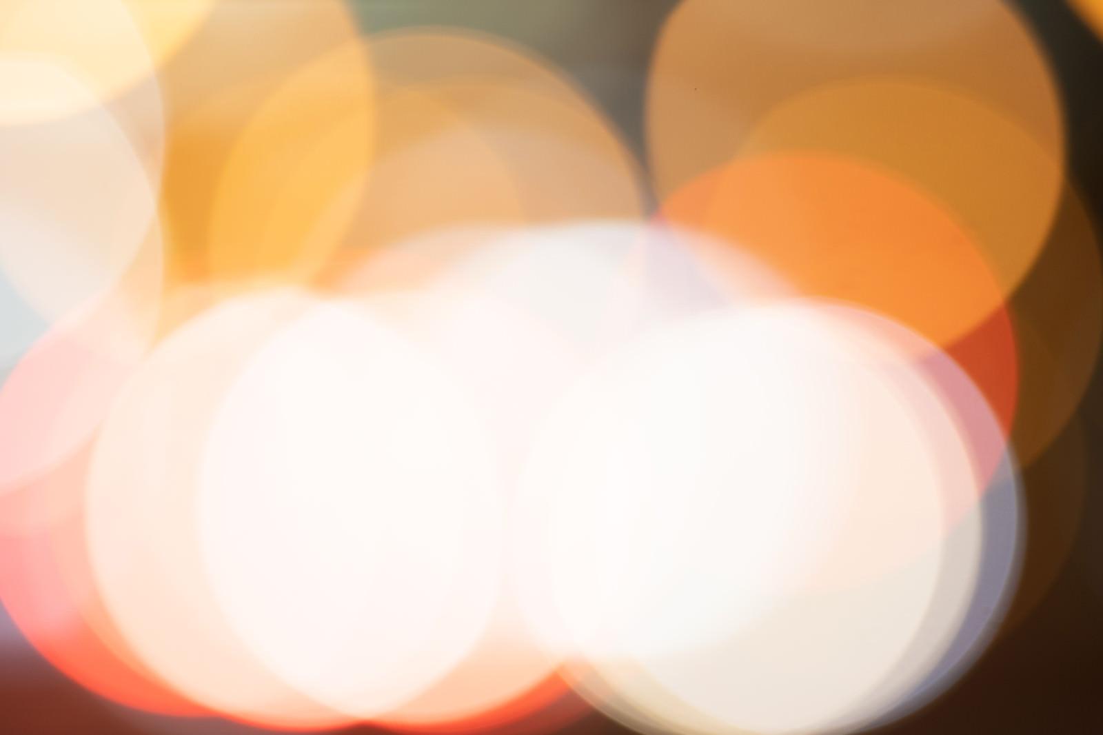 「オレンジ色の丸ボケ」の写真