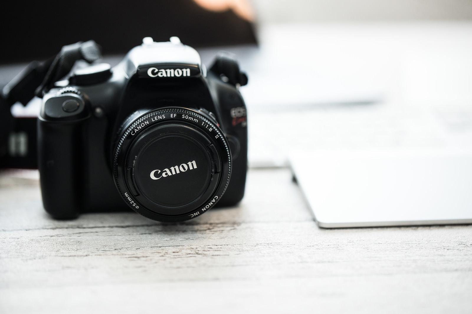 「Canonのデジタル一眼レフカメラ」の写真