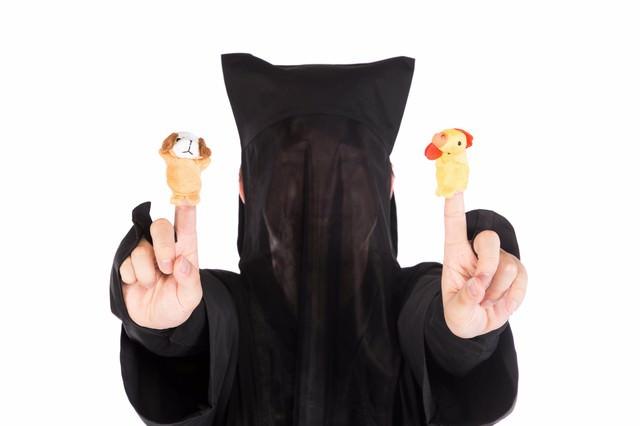 酷いクオリティの酉と戌の指人形の写真