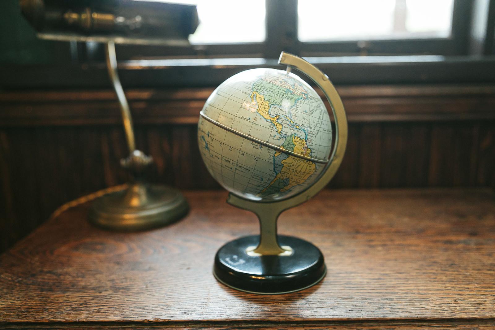 「レトロな地球儀」の写真