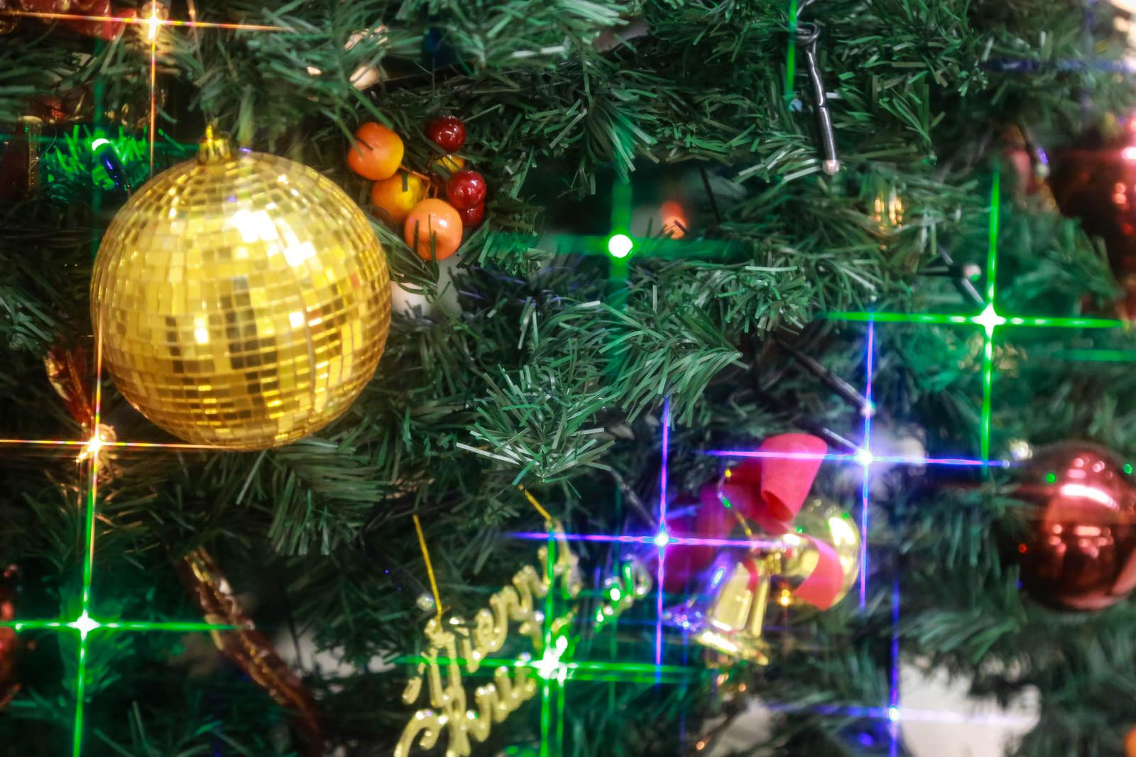 「クリスマスの飾りとライトアップ」の写真