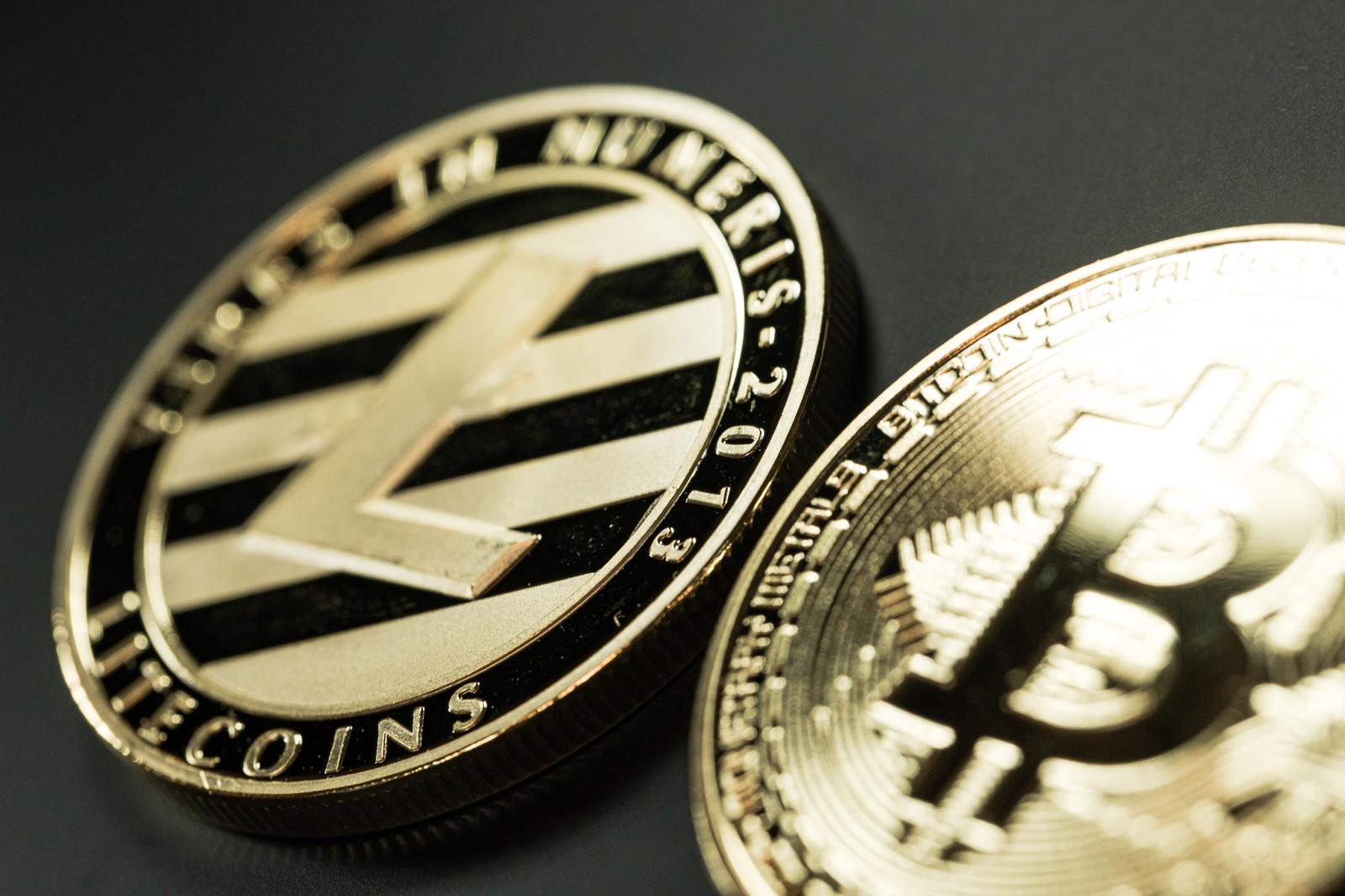 「光り輝くライトコイン」の写真