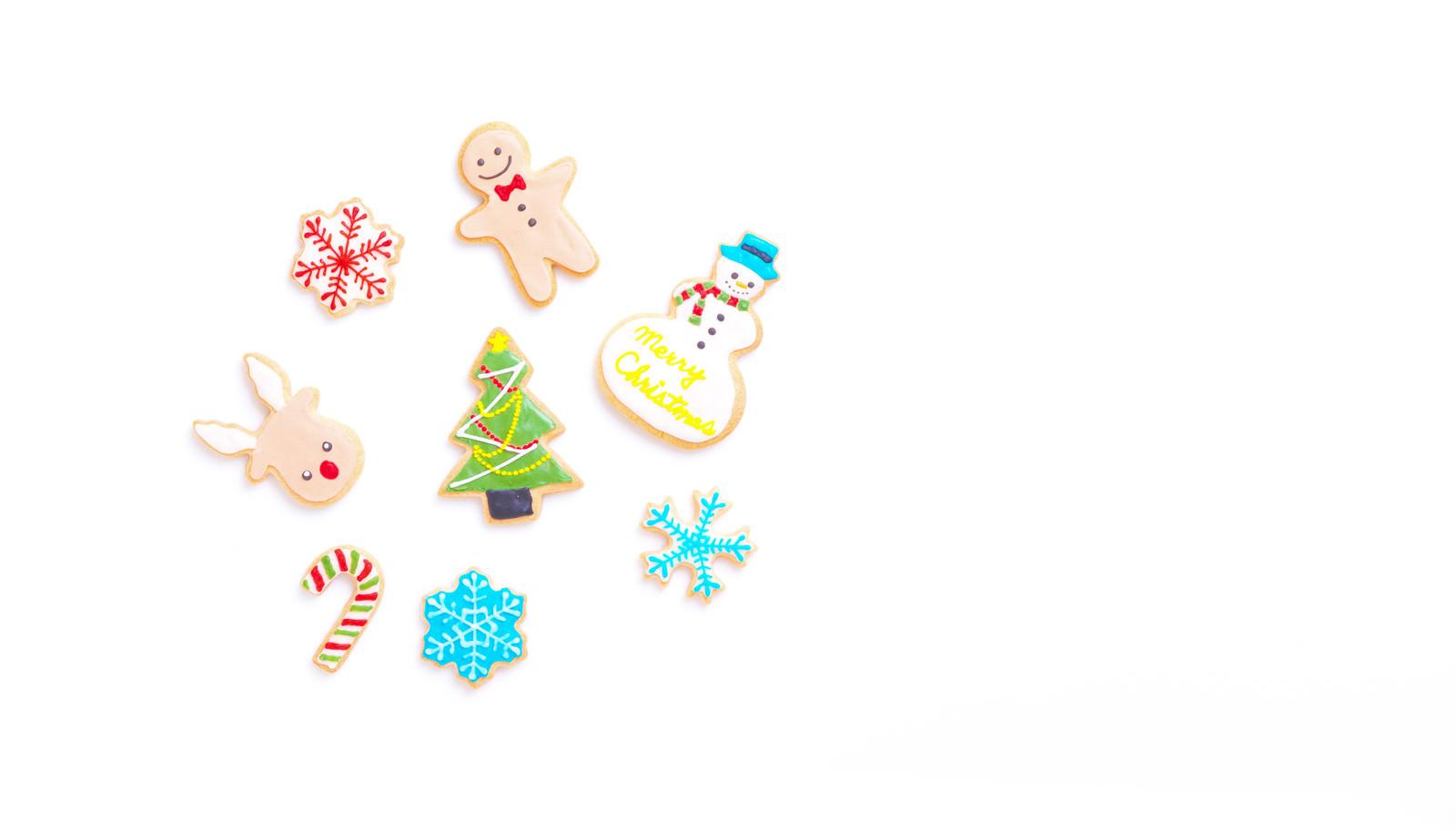 「クリスマスツリーを囲う(アイシングクッキー)」の写真