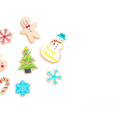 クリスマスツリーを囲う(アイシングクッキー)の写真
