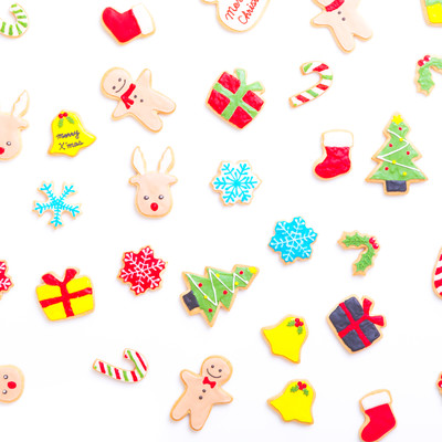 「可愛いクリスマス用アイシングクッキー」の写真素材