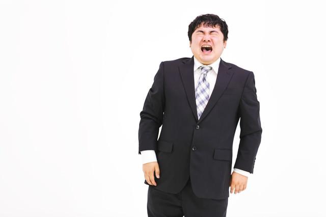 泣きじゃくる弱虫会社員の写真