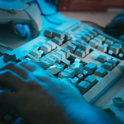 「キーボードをデストロイ」の写真素材