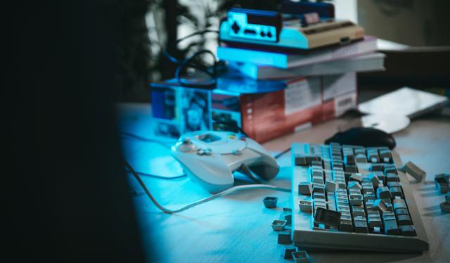 ゲーマーの被害にあったキーボードの写真