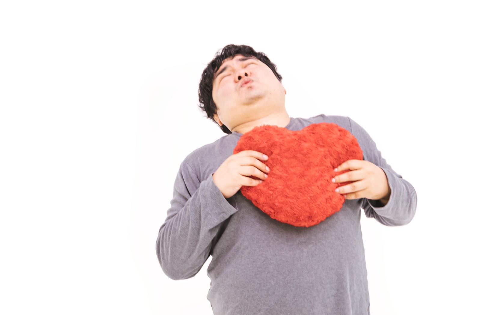 「心臓のドキドキが止まらない!!」の写真[モデル:段田隼人]