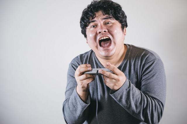 ゲームしながら感情入っちゃう系の写真