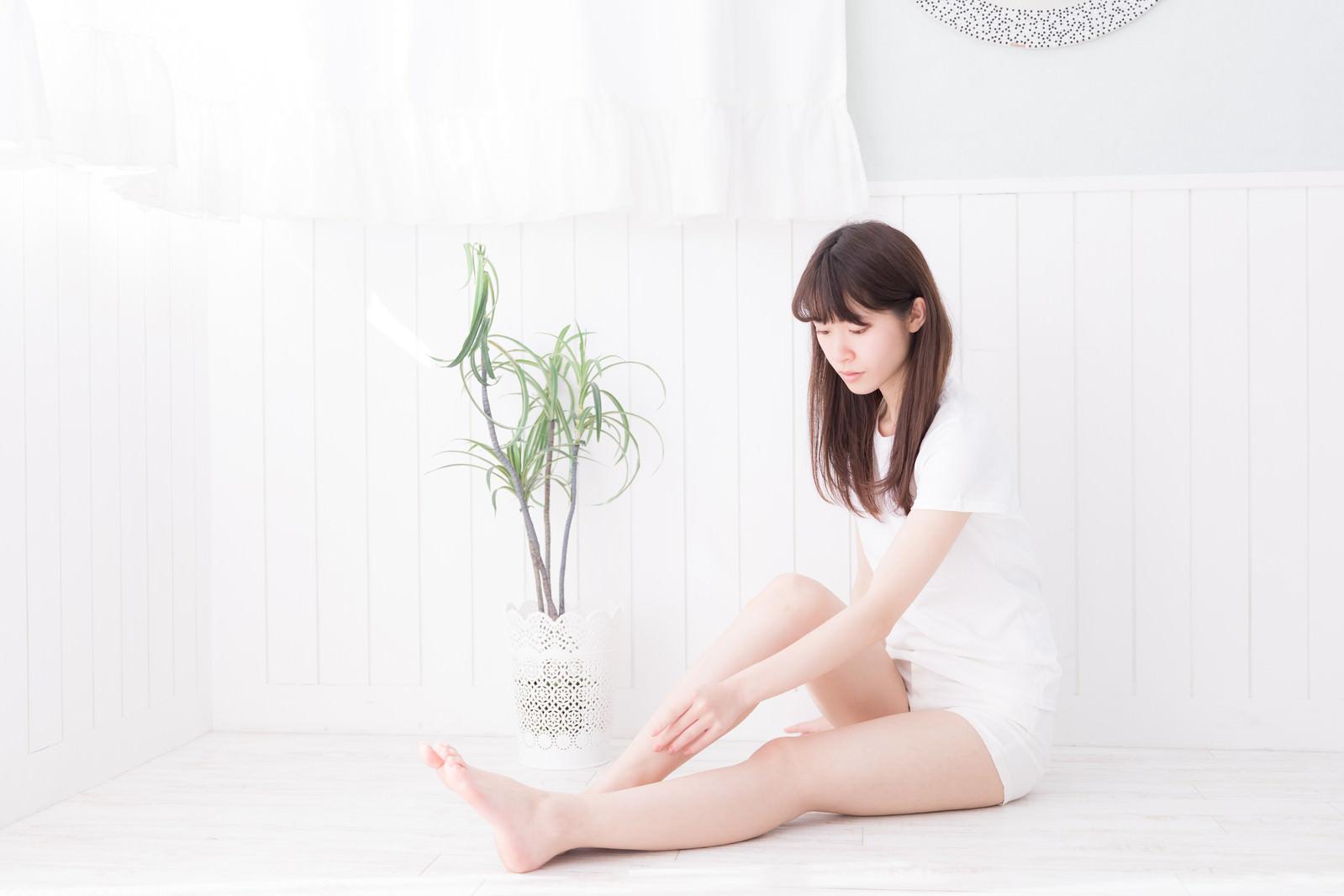 「美脚の女性」の写真[モデル:川子芹菜]