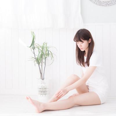 美脚の女性の写真