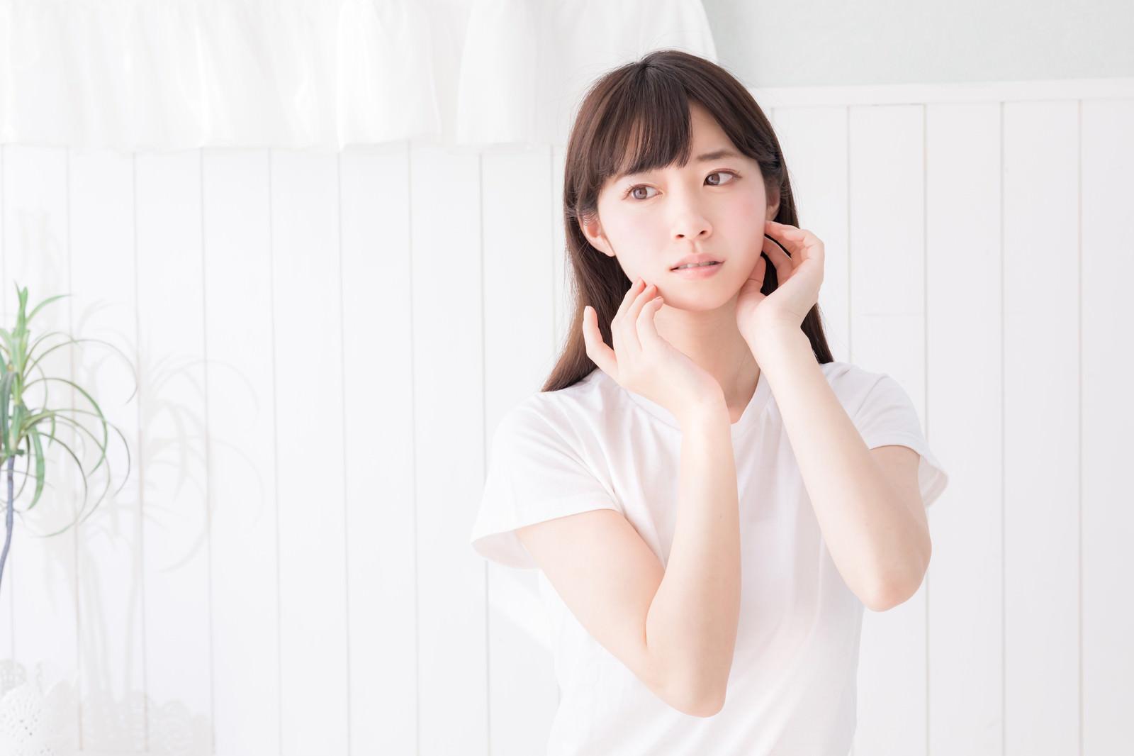 「透明感ある化粧品やエステ系の広告の女性」の写真[モデル:川子芹菜]