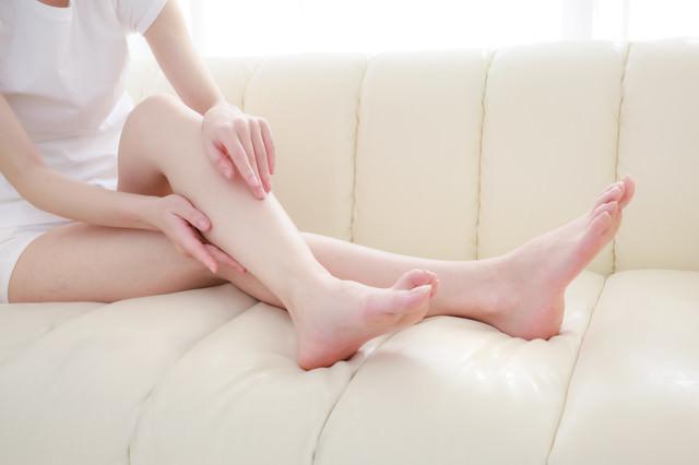すらりとした女性の脚の写真