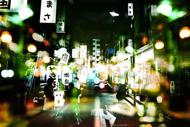 「飲み屋街(フォトモンタージュ)」のフリー写真素材