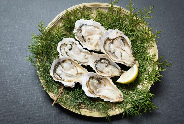 殻付きの恵比須牡蠣の写真