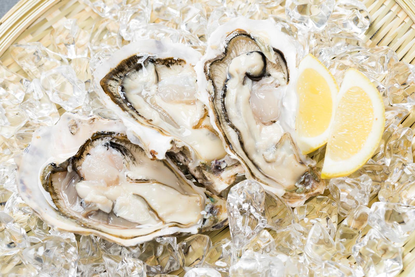 「新鮮な生牡蠣(恵比須かき)」の写真