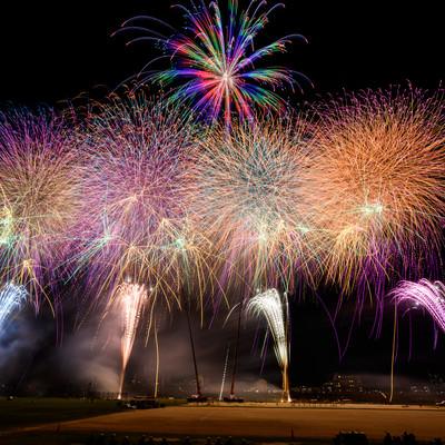 江戸川区花火大会のフィナーレの写真