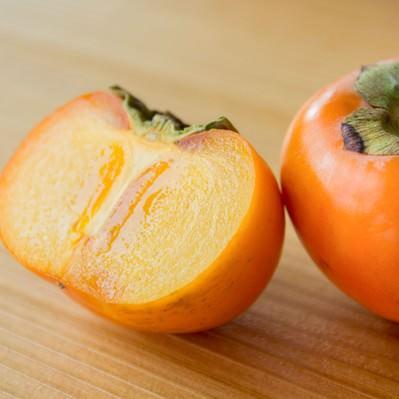 「秋の味覚、柿」の写真素材