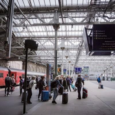 「エディンバラ駅」の写真素材