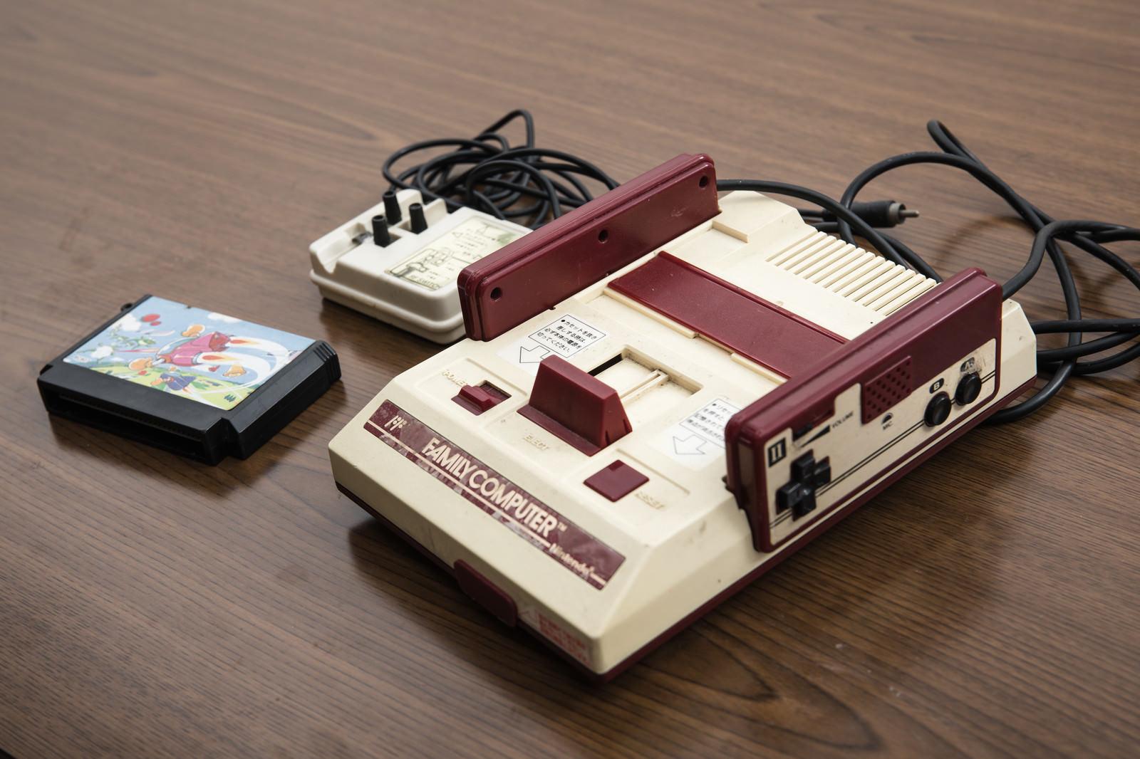 「懐かしの家庭用ゲーム機」の写真