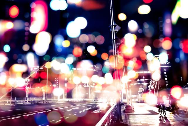 光あふれる街並み(フォトモンタージュ)の写真