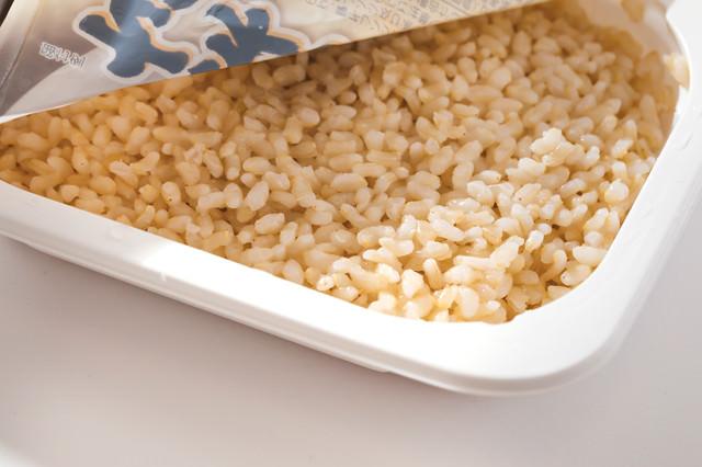 レトルトパックの玄米の写真
