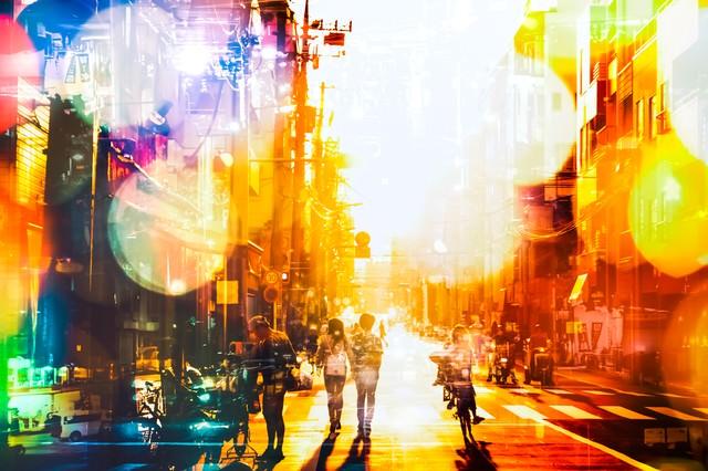 下町の明るい未来(フォトモンタージュ)の写真