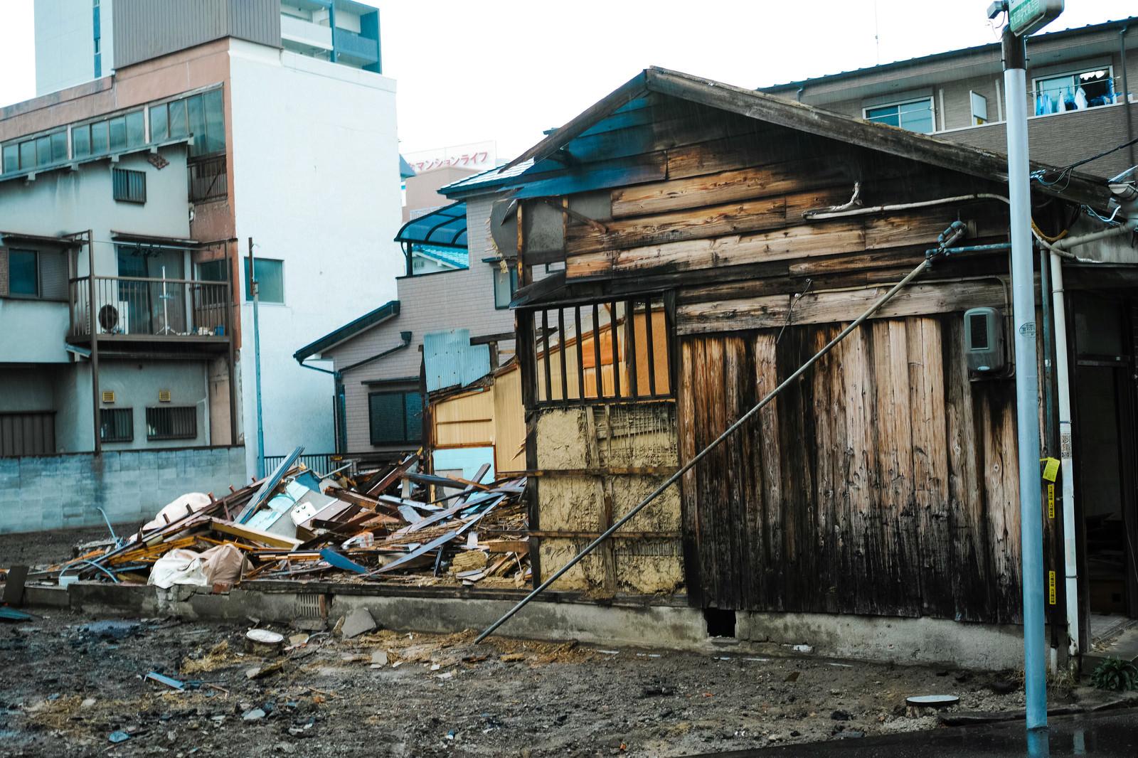 「他人が勝手に家屋を破壊しても「建造物損壊」にならないのか?」の写真