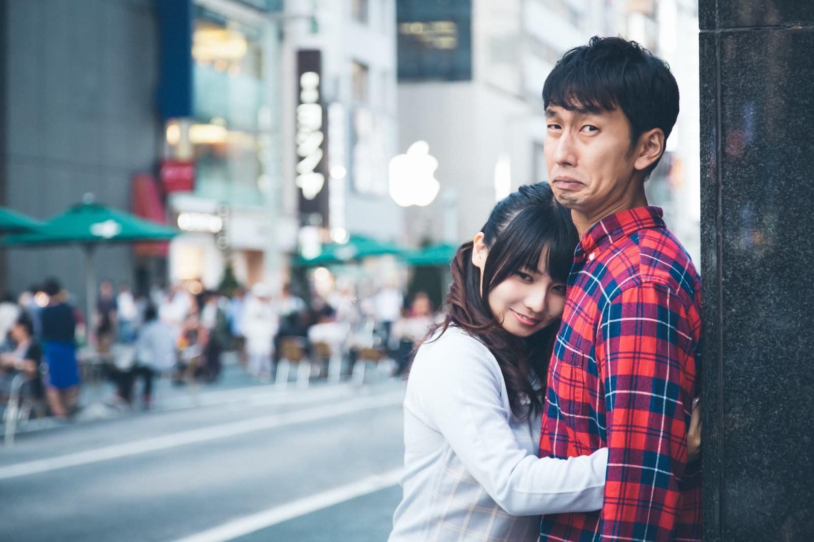 「壁ギュで彼氏の心と財布を離さない小悪魔系女子」の写真[モデル:大川竜弥 Lala]