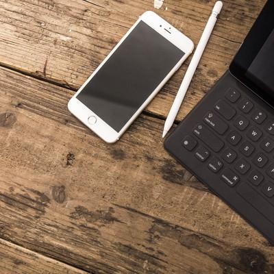 「スマートフォンとタブレットのある生活」の写真素材