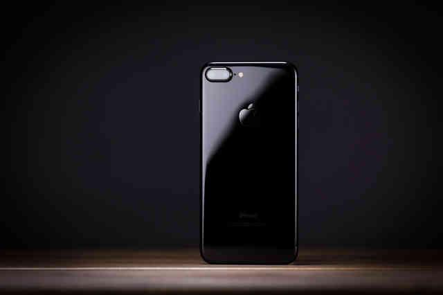 ジュエリーのような光沢感!とにかく美しいスマートフォンの写真