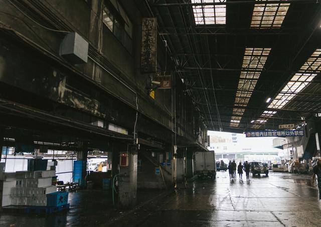 施設の老朽化が進む築地市場内の写真