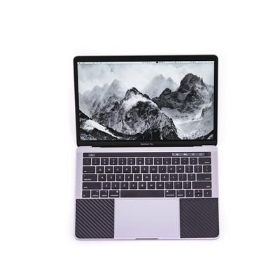 新しい13インチMacbook Pro 2018の写真