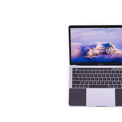 MacBook Pro 2018 13インチディスプレイの写真