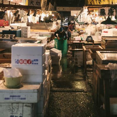 築地市場内の水産部の写真