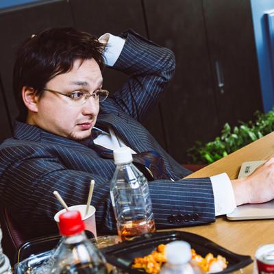 大型連休も会社に泊まって業務中の写真