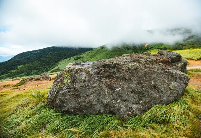 毛無峠の岩の写真