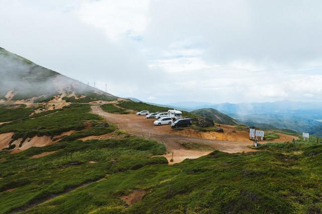 毛無峠の頂上付近駐車場の写真