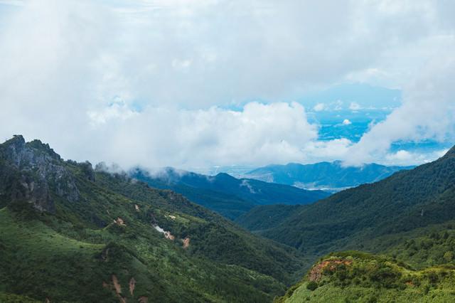 夏の毛無峠からの景観の写真