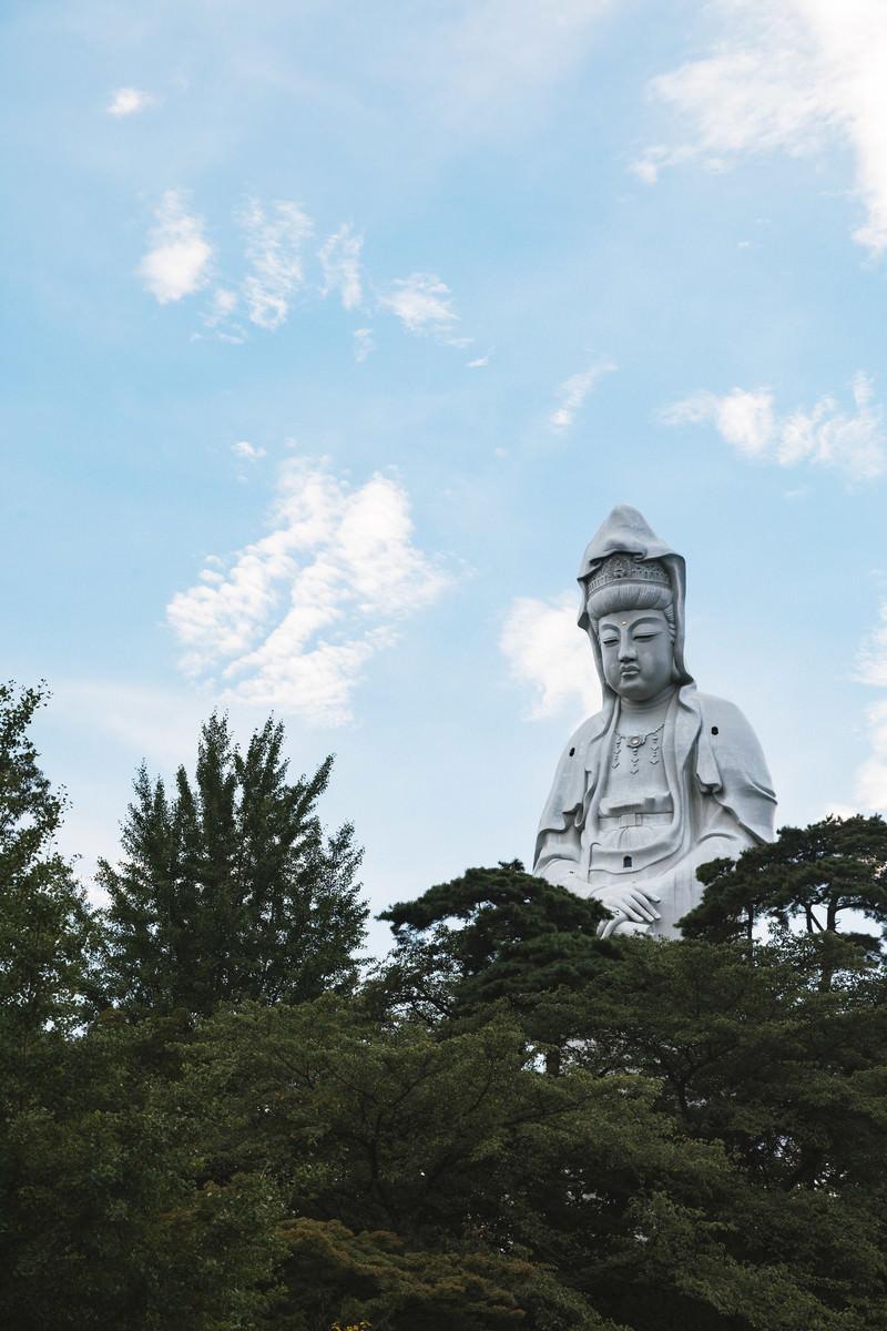 「巨大な高崎白衣大観音」の写真