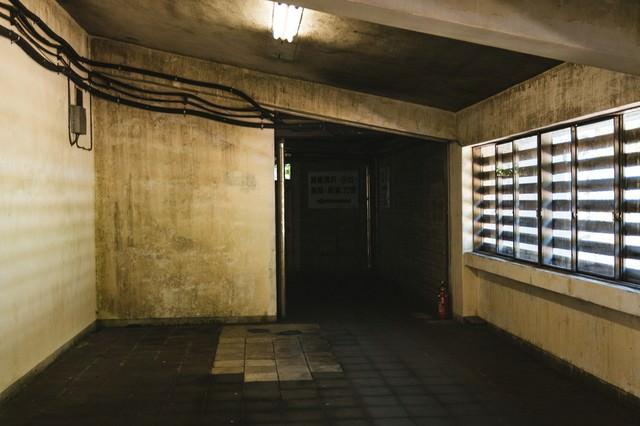 土合駅内の通路(長岡・新潟方面)の写真
